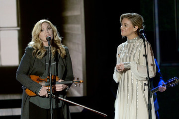 Alison Krauss 2018 CMT Artists Of The Year - Inside