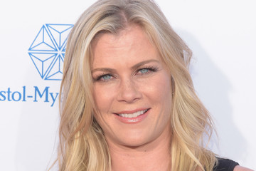 Alison Sweeney Stand Up To Cancer Marks 10 Years Of Impact In Cancer Research At Biennial Telecast - Arrivals