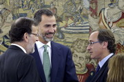 The new Minister of Health, Social Services and Equality, Alfonso Alonso (R), after the oath of office with Prime Minister Mariano Rajoy and King Juan Carlos (C) at Zarzuela Palace on December 3, 2014 in Madrid, Spain.