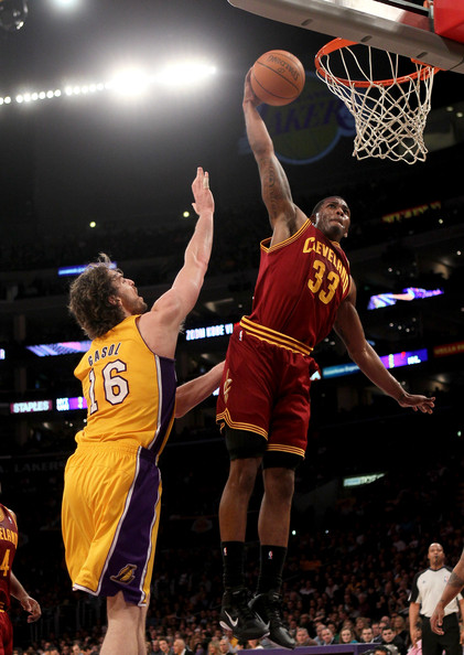Alonzo Gee Alonzo Gee #33 of the Cleveland Cavaliers dunks over Pau Gasol #16 of the Los Angeles Lakers at Staples Center on January 11, 2011 in Los Angeles, California.  The Lakers won 112-57.  NOTE TO USER: User expressly acknowledges and agrees that, by downloading and or using this photograph, User is consenting to the terms and conditions of the Getty Images License Agreement.