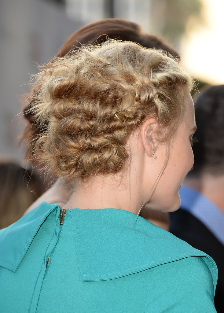 Hair Envy: Amanda Michalka's Effortless Updo