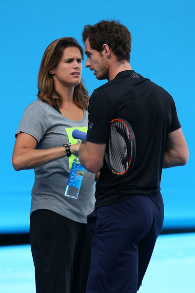 2016 Australian Open - Day 14 [blue,product,yellow,youth,interaction,performance,event,photography,dance,recreation,amelie mauresmo,men,andy murray,chat,great britain,melbourne park,australia,australian open,practice session,final]