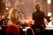 """Musician Steven Tyler (L) and finalist Jax perform onstage with American Idol judges Jennifer Lopez and Keith Urban during """"American Idol"""" XIV Grand Finale at Dolby Theatre on May 13, 2015 in Hollywood, California."""