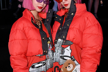 Amiaya Moschino X H&M - Front Row