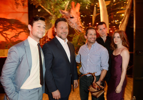 Behind the Scenes at Spike TV's 'Guys Choice' [people,event,fun,party,ceremony,night,leisure,family,vacation,crowd,russell crowe,zack snyder,joseph gordon-levitt,henry cavill,amy adams,audience,guys choice 2013,l-r,backstage,spike tv]