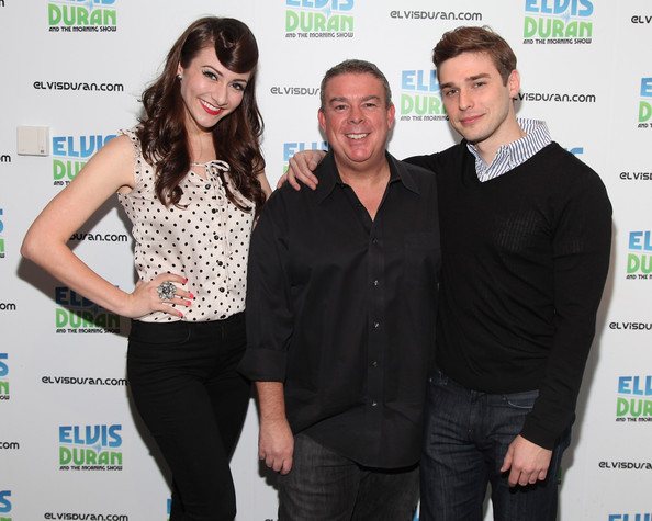 Visits the elvis duran z100 morning show in this photo elvis duran