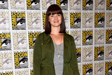 Amy Newbold 'Divergent' and 'Ender's Game' Press Lines at Comic-Con