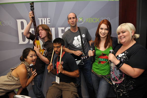 Xbox 360 Media Reception At Comic-Con [social group,event,fashion,party,team,performance,competition,drink,tourism,t-shirt,xbox 360,actors,amy okuda,felicia day,jeff lewis,robin thorsen,l-r,media reception,comic-con,xbox 360 media reception]