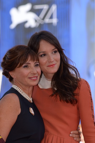 Anais Demoustier Ariane Ascaride Anais Demoustier And Ariane Ascaride Photos The House By The Sea La Villa Premiere 74th Venice Film Festival Zimbio