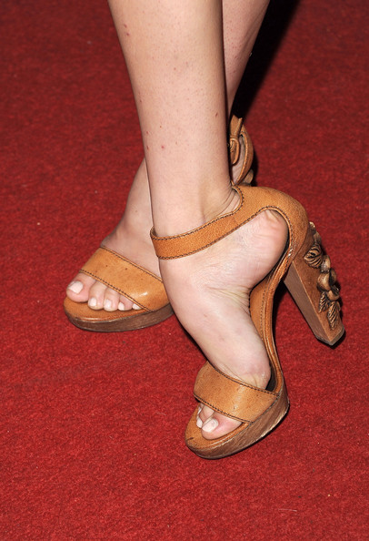 analeigh tipton feet