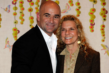 """Jade Albert Andre Agassi's First Signing Of His New Autobiography """"Open"""""""