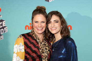 Andrea Barber Pinkberry Backstage at Nickelodeon's 2019 Kids' Choice