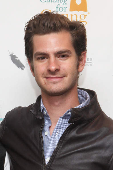 http://www4.pictures.zimbio.com/gi/Andrew+Garfield+Annual+Charity+Day+Hosted+0-xPDhLDR70l.jpg