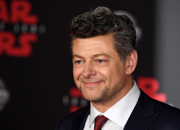 http://www4.pictures.zimbio.com/gi/Andy+Serkis+Premiere+Disney+Pictures+Lucasfilm+Nfzue14GV13l.jpg