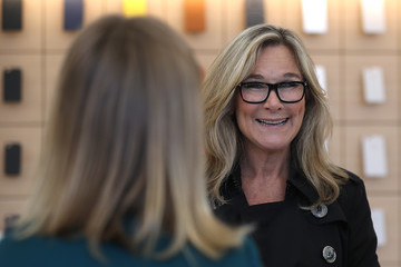 Angela Ahrendts Apple Opens New Flagship Store In San Francisco