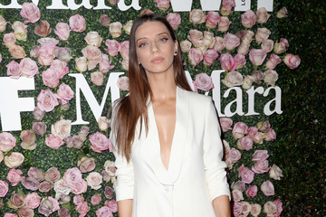 Angela Sarafyan Max Mara Celebrates Zoey Deutch As The 2017 Women In Film Max Mara Face Of The Future Award Recipient - Arrivals