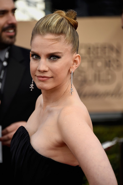 anna chlumsky movies and tv shows chlumsky photos photos 22nd annual screen actors 30630