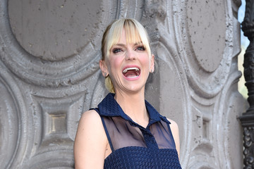 Anna Faris Chris Pratt Honored With Star On The Hollywood Walk Of Fame