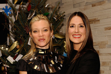 "Amy Smart Anna Getty Anna Getty Book Party For ""I'm Dreaming Of A Green Christmas"""