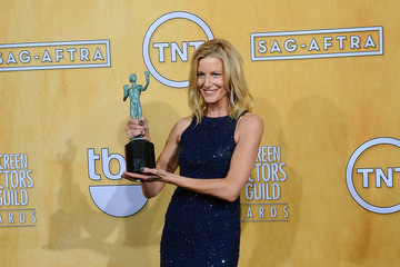 Anna Gunn 20th Annual Screen Actors Guild Awards - Press Room