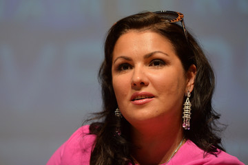 Anna Netrebko Pictures, Photos & Images - Zimbio
