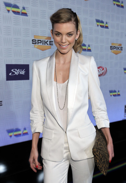 http://www4.pictures.zimbio.com/gi/AnnaLynne+McCord+Spike+TV+2010+Video+Game+i6KGWAWnkoVl.jpg