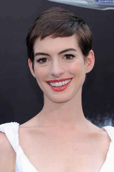 "Anne Hathaway - ""The Dark Knight Rises"" New York Premiere - Inside Arrivals"