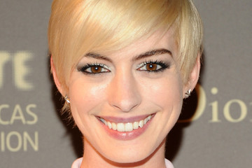 Anne Hathaway Celebs at the Tate Americas Foundation Artists Dinner