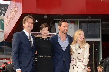 Anne Hathaway Hugh Jackman Honored On The Hollywood Walk Of Fame