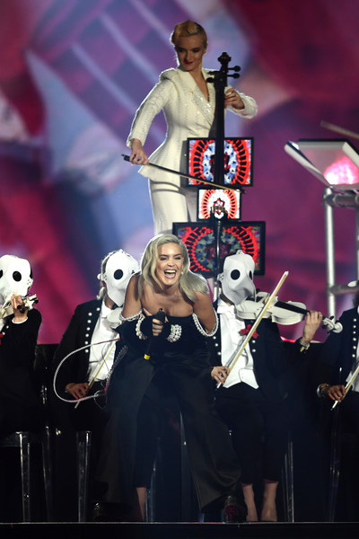MTV EMAs 2017 - Show [performance,entertainment,performing arts,musician,concert,music,event,music artist,stage,musical,anne marie,stage,england,london,sse arena,wembley,mtv,clean bandit,emas 2017 - show]
