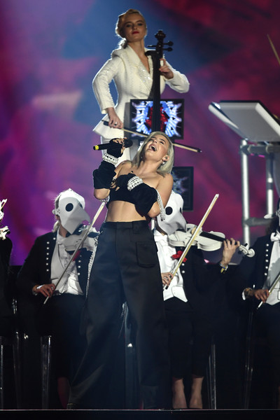 MTV EMAs 2017 - Show [performance,entertainment,music,music artist,performing arts,musician,concert,event,stage,public event,anne marie,stage,england,london,sse arena,wembley,mtv,clean bandit,emas 2017 - show]