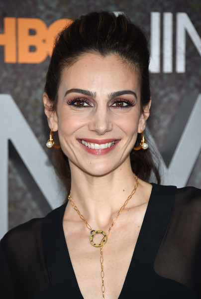 annie parisse as the world turns