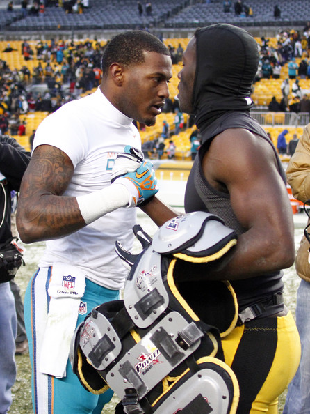 Miami Dolphins v Pittsburgh Steelers [sports,championship,player,competition event,team sport,recreation,muscle,games,shoe,mike wallace 11,antonio brown,heinz field,pittsburgh,pennsylvania,pittsburgh steelers,miami dolphins,game]