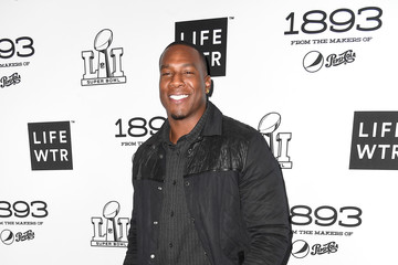 Antonio Gates LIFEWTR Art After Dark - Red Carpet Arrivals