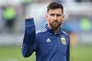 Lionel Messi of Argentina waves during warmups prior to the Copa America Brazil 2019 Third Place match between Argentina and Chile at Arena Corinthians on July 06, 2019 in Sao Paulo, Brazil.