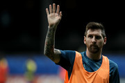 Lionel Messi of Argentina waves to the fans prior to the Copa America Brazil 2019 group B match between Argentina and Colombia at Arena Fonte Nova on June 15, 2019 in Salvador, Brazil.