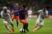 Radamel Falcao of Colombia controls the ball under pressure of Nicolás Otamendi and Renzo Saravia of Argentina during the Copa America Brazil 2019 group B match between Argentina and Colombia at Arena Fonte Nova on June 15, 2019 in Salvador, Brazil.