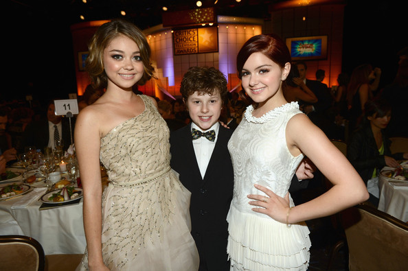 [Image: Ariel+Winter+Nolan+Gould+Broadcast+Telev...O9iQWl.jpg]