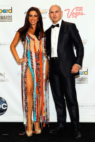 are pitbull and nayer dating