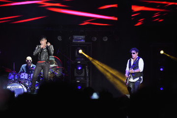 Arnel Pineda Journey and Santana in Concert - New York, New York