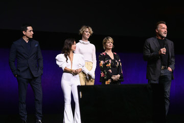 Arnold Schwarzenegger Mackenzie Davis CinemaCon 2019 - Paramount Pictures Invites You To An Exclusive Presentation Highlighting Its Upcoming Slate