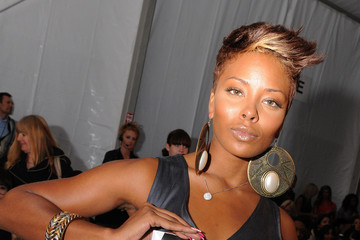 Eva Pigford Around Bryant Park - Day 5 - Spring 2010 MBFW