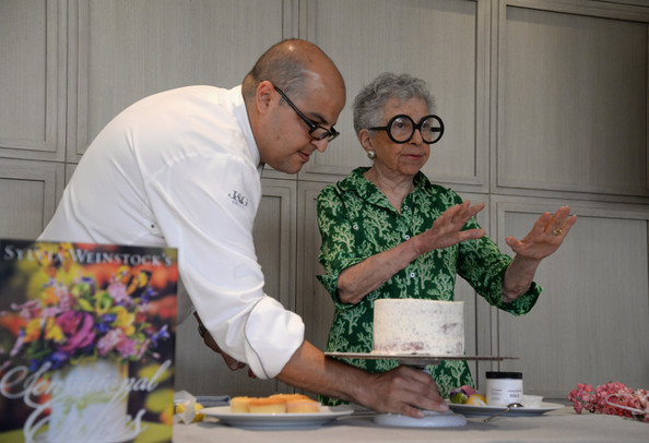 Cake Decorating Shows On Food Network : Antonio Bachour in The Art Of Cake-Decorating: A Master ...