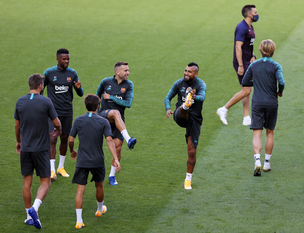 Barcelona Training Session - UEFA Champions League [sports,team sport,ball game,player,football player,training,team,sport venue,sports training,stadium,nelson semedo,player,sports,team sport,fc barcelona,stadium,uefa champions league,barcelona training session,training session,match,rugby union,tournament,competition,player,championship,stadium,lawn,multi-sport event]