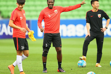 Asamoah Gyan Shanghai SIPG Training Session