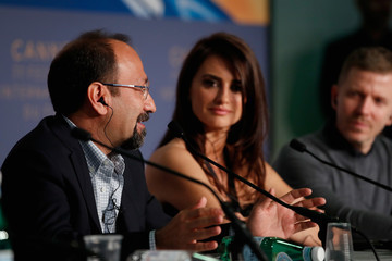 Asghar Farhadi 'Everybody Knows (Todos Lo Saben)' Press Conference - The 71st Annual Cannes Film Festival