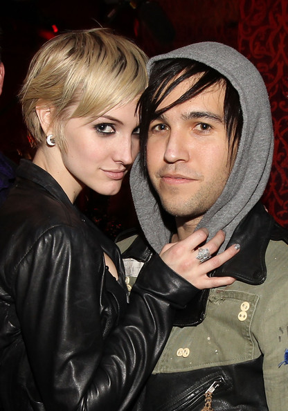 http://www4.pictures.zimbio.com/gi/Ashlee+Simpson+Wentz+X+Life+Launch+Party+Omhuqr3OPrll.jpg