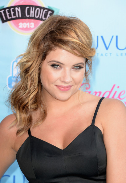 Ashley Benson - Arrivals at the Teen Choice Awards — Part 2