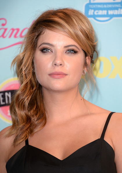 Ashley Benson - Teen Choice Awards 2013 - Press Room