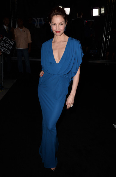 "Ashley Judd - Premiere Of Summit Entertainment's ""Divergent"" - Red Carpet"